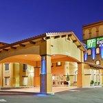 Holiday Inn Express Willows