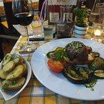 Restaurant First ภาพถ่าย