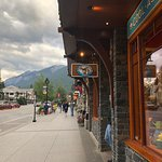 ภาพถ่ายของ Banff Avenue