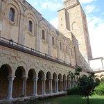 Chiostro della Cattedrale di Cefalu照片