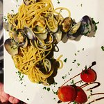 Salamella con patate, cotoletta alla milanese, spaghetti alle vongole!!! La trattoria che si con