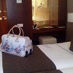 Um quarto muito bom e com muito conforto .