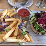 Lunch time special: halloumi burger