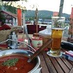 Gulyás leves bográcsban