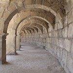 Стены помнящие очень многое. Не верится, что этим камням свыше тысячи лет!