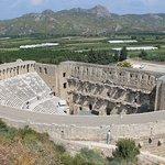 Античный театр, вид с верхней площадки.
