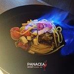 Spaghetto flambé con melanzane e pesce spada. Solo da Panacea ristròt!