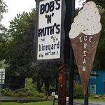 Foto de Bob & Ruth's Vineyard Restaurant