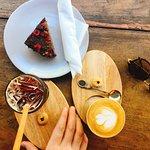 Coffees & Avocado Cake