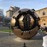 Foto de Sphere within a Sphere