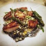 Photo de NINE-TEN Restaurant & Bar