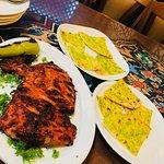 tandoori chicken with mint and garlic bread