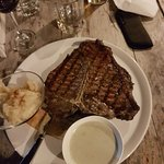 Foto van The Lodge Steak & Seafood Co.