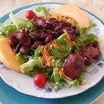 Salade de lardons, foies et gésiers