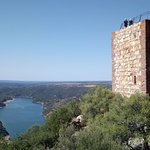 Castillo de Monfague照片