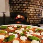 PIZZA WITH MOZZARELLA DI BUFALA DOP