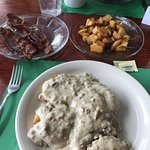 Biscuits & gravy, delicious bacon and great homestyle potatoes