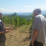 Franco and David discussing the grapes.