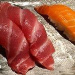 Nigiri de salmón y de atún