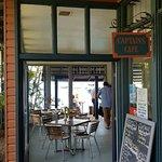Photo de Captain's Cafe