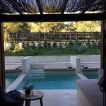 camera con piccola piscina privata
