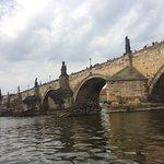 صورة فوتوغرافية لـ جسر تشارلز