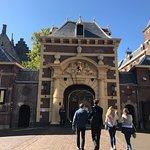Foto de Binnenhof & Ridderzaal (Inner Court & Hall of the Knights)