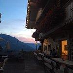 Zu Sonnenuntergang auf der Terrasse