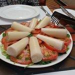 Churrascaria com salada de primeira!