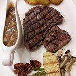 Foto de Bangsaen Steak House