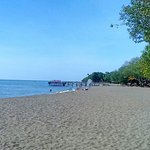羅威那海灘照片