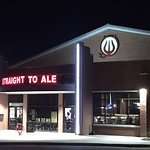 Straight to Ale Taproom resmi