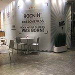 صورة فوتوغرافية لـ Rock House Sliders