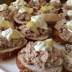 GF Tuna crostini appetizers - Crostini sans gluten au thon