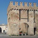 صورة فوتوغرافية لـ Porta Maggiore