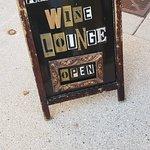 Aardvark Wine Loungeの写真