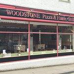 Photo de Woodstone Pizza and Grill