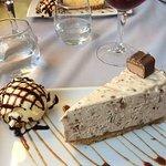 Mars bar cheesecake with ice-cream