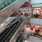 Фотография Pineapple Shopping Center