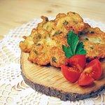 Pataniscas de bacalhau (codfish cake)