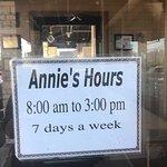 Foto van Awful Annie's