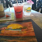 Foto di Sunset Beach Tropical Grill and The Playmore Tiki Bar