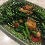 Ka Nar Moo Grob (stir-fried Chinese brocolli with crispy pork and oyster sauce)