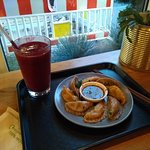 Dumplings and a Very Berry smoothie