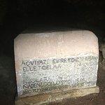 Sarcófago del Rey Pelayo en la Santa Cueva