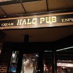Halo Pub의 사진