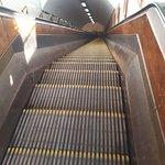 Φωτογραφία: St. Anna's Tunnel / Pedestrians' Tunnel