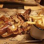 Foto Hydeout Bar-B-Q & Smokehouse