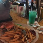 Cheese Burger in Paradise & Traquil water