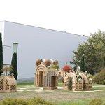 Anish Kapoor garden sculpture